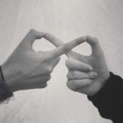 infinity-fingers-wedding-photography-pinterest